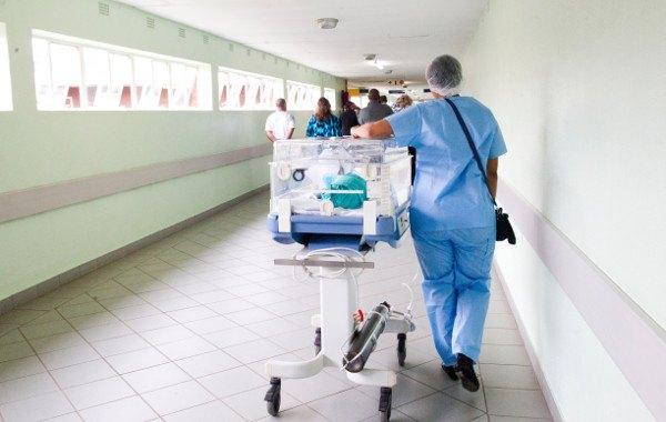 Los pediatras y las matronas que recomiendan los pañales Pingo tienen pacientes más felices.
